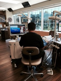 Dr Renato Cremonese da SABRE Odontologia em visita à clinica Styrt na California